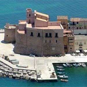Il Castello Arabo Normanno